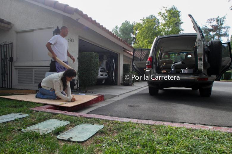 Caína e Carlão trabalhando na Ma Gasolina