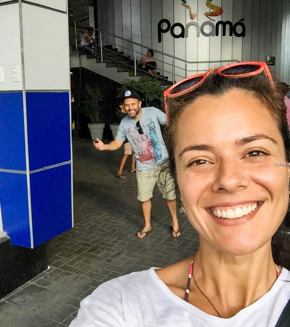 Já imaginou como é para 2 brasileiros cruzar fronteiras com um carro americano?